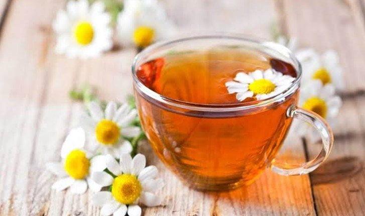 7 Best Warm Flower Teas to Drink in Cold Weather!
